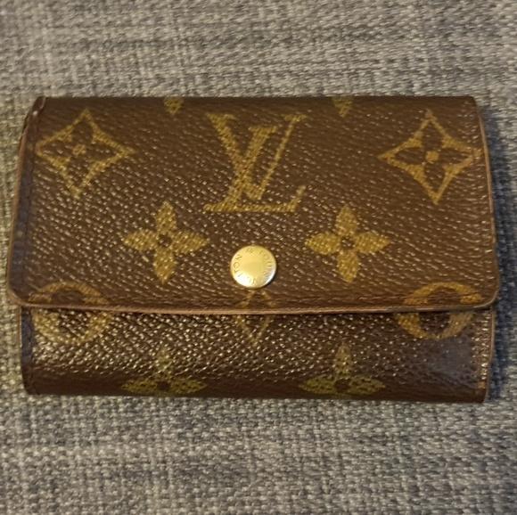 96c65f056193 Louis Vuitton Handbags - Authentic Louis Vuitton 6 key holder in mono